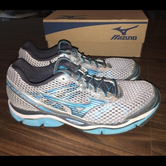 cfccce52da1e Mizuno Shoes | Sz 9 Wave Enigma 5 Running Euc | Poshmark